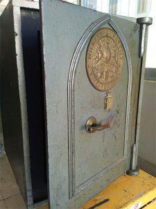 milners safe antique